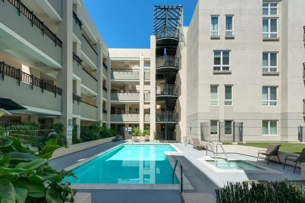 12222 Wilshire Blvd. Los Angeles, CA 90025