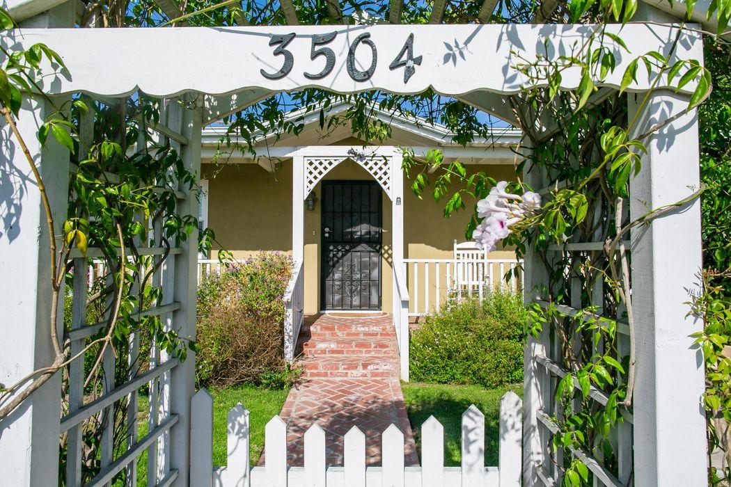 3504 Redwood Ave Los Angeles, CA 90066