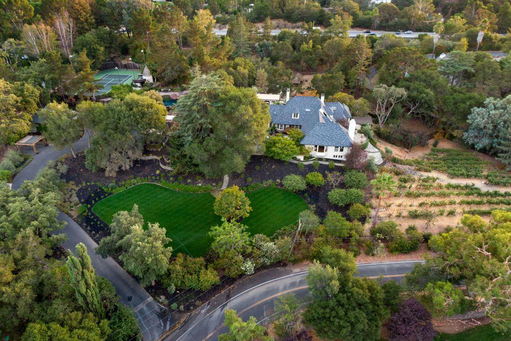 680 Loyola Dr Los Altos, CA 94024