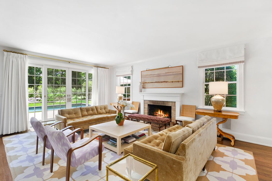 25 Dune Alpin South East Hampton, NY 11937
