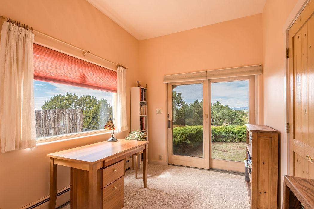 66 Vallecito Rd Santa Fe, NM 87506