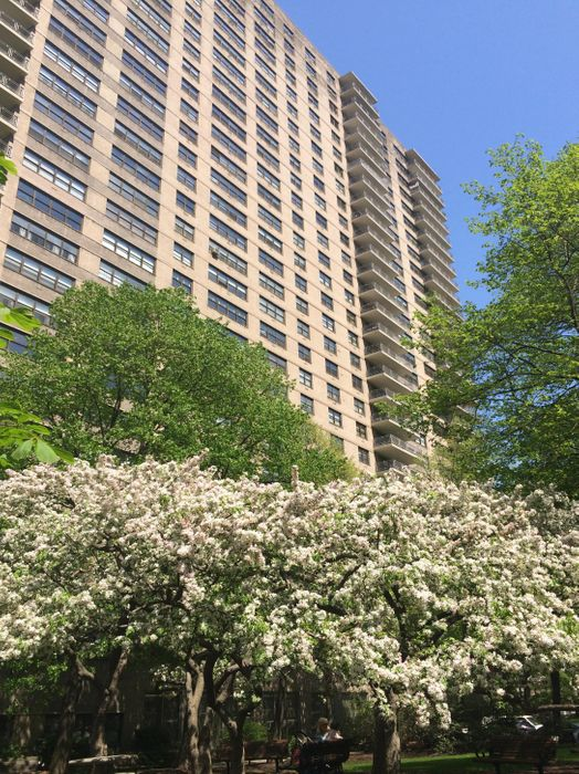 185 West End Avenue New York, NY 10023