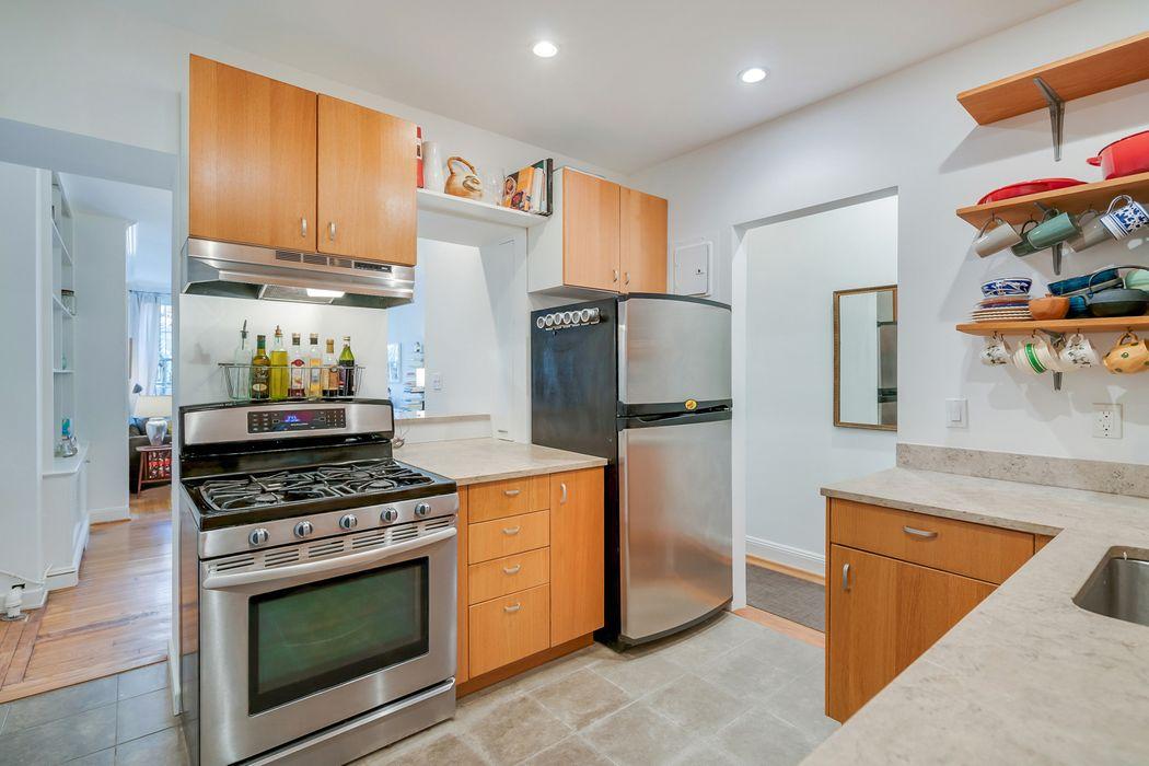 79 Perry Street New York, NY 10014