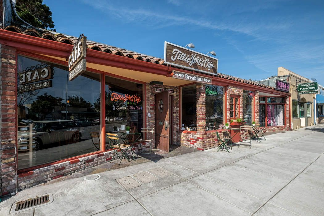 Pacific Grove Restaurant/Retail Building
