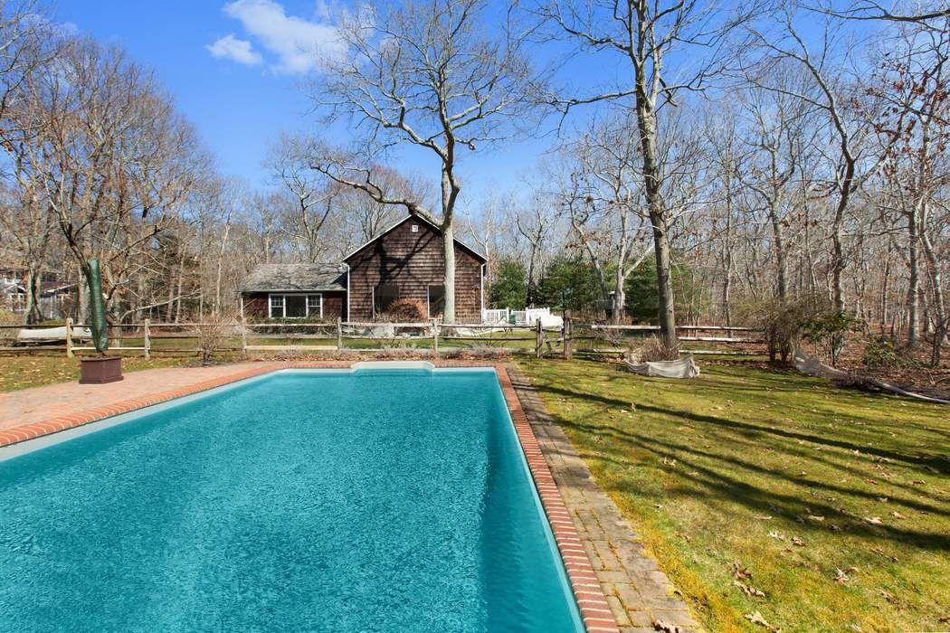 Charming Water Mill Farmhouse Water Mill, NY 11976