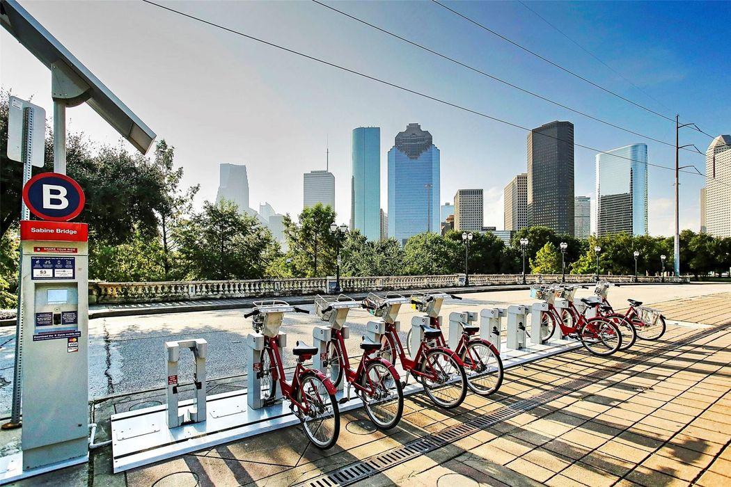 209 Malone Street Houston, TX 77007