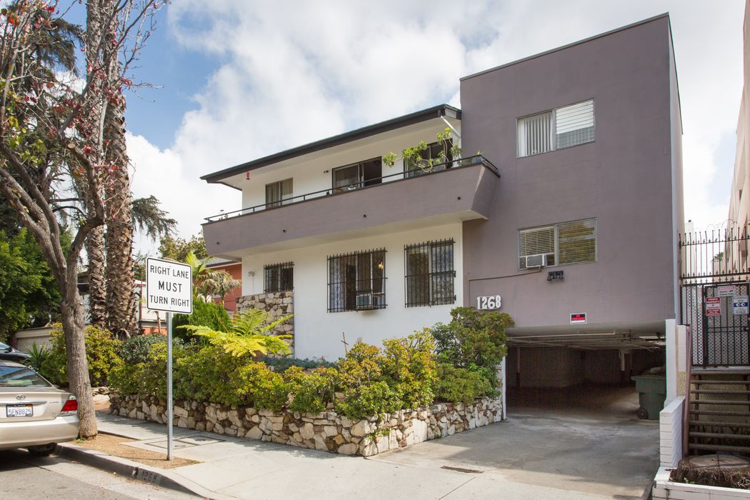 1268 Sweetzer Ave #1 West Hollywood, CA 90069