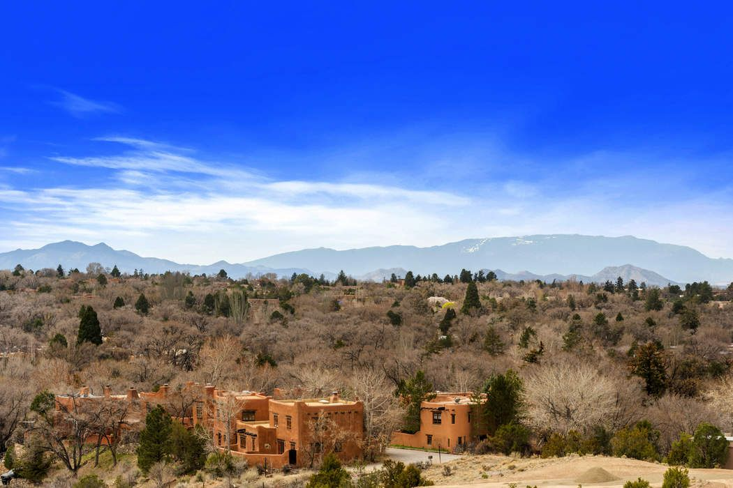 848 Vista Catedral Santa Fe, NM 87501