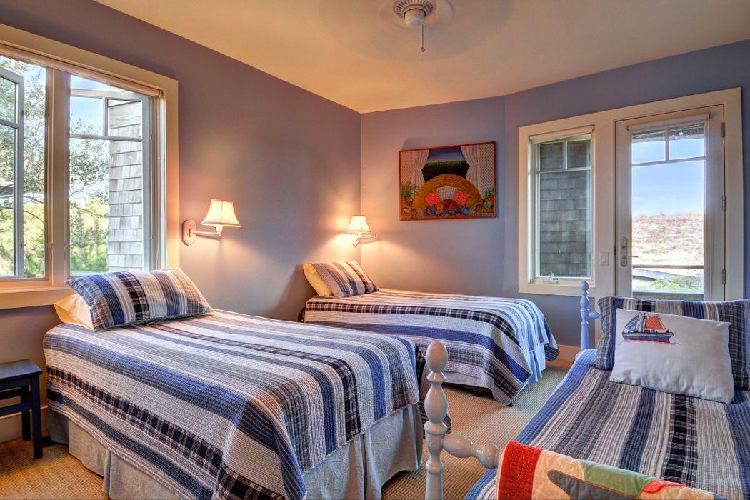 261 Marine Boulevard Amagansett, NY 11930