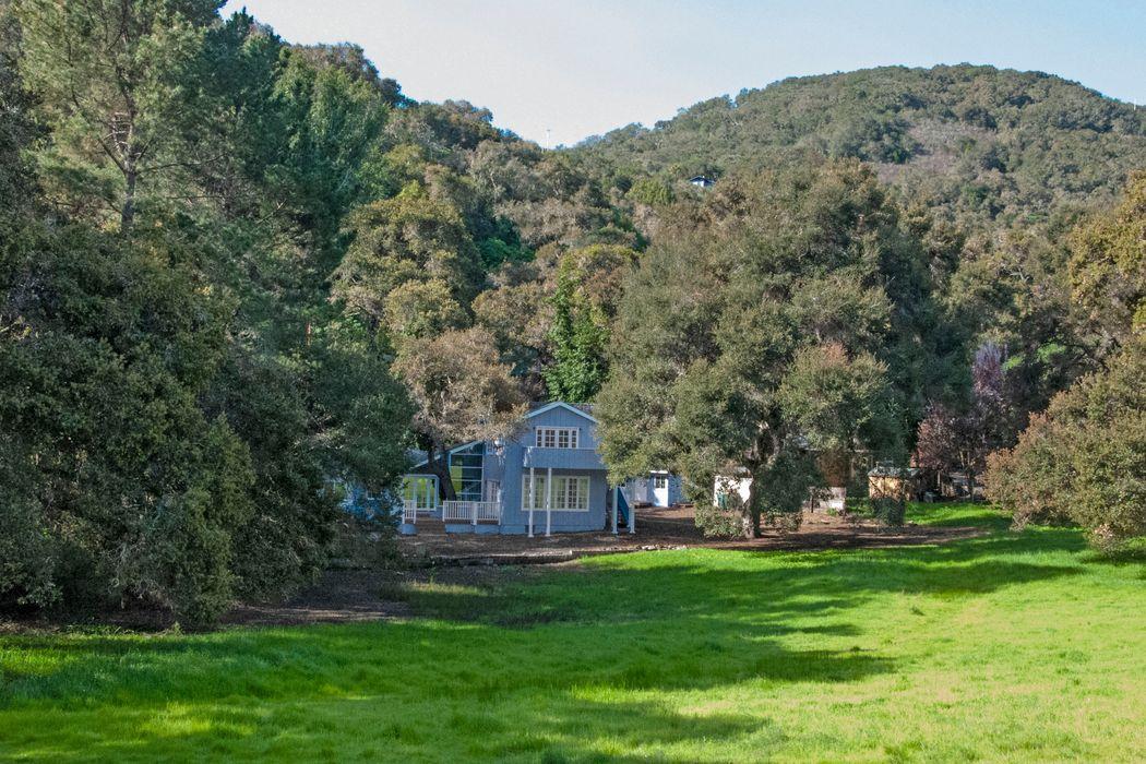 20 A El Cuenco Carmel Valley, CA 93924