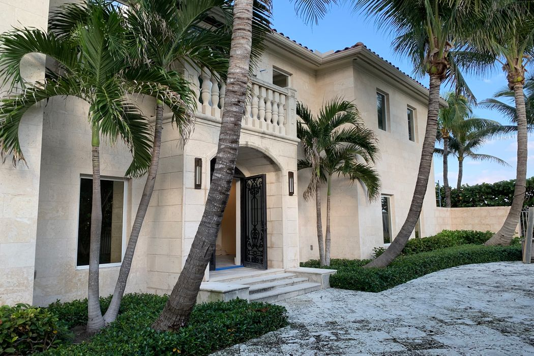 870 S Ocean Blvd Palm Beach, FL 33480