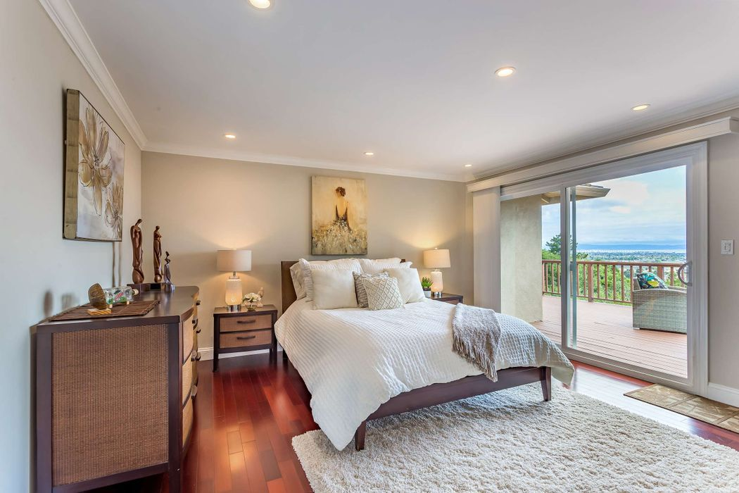 Elegant Rancher With Views and Privacy Belmont, CA 94002
