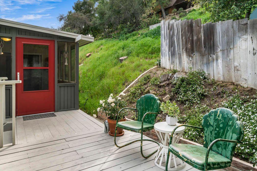 1786 Deerhill Trail Topanga, CA 90290