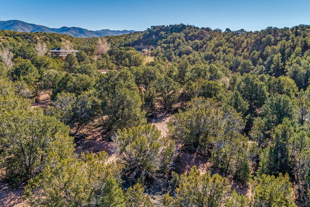 4 Kwahe Ridge Road Santa Fe, NM 87506