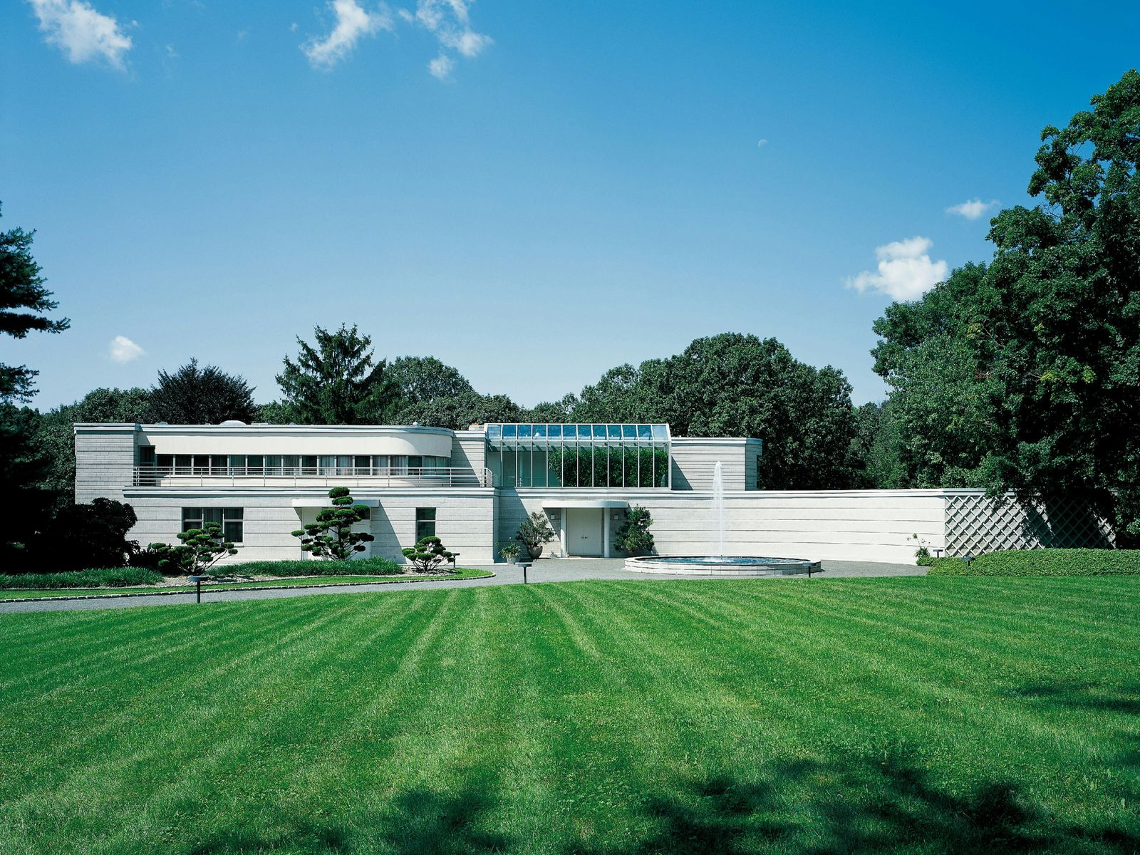 Dramatic International Style, Greenwich CT Single Family Home - Greenwich Real Estate
