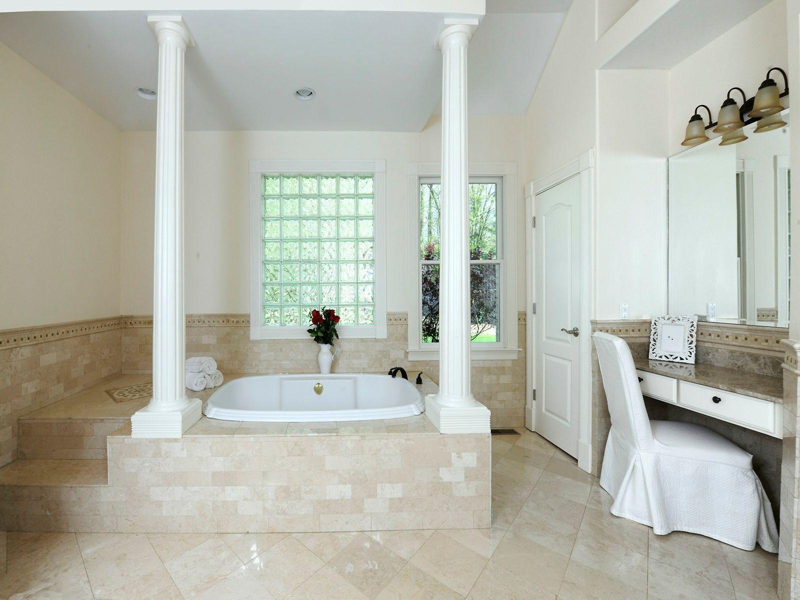 Luxurious Master Bath with Steam Shower