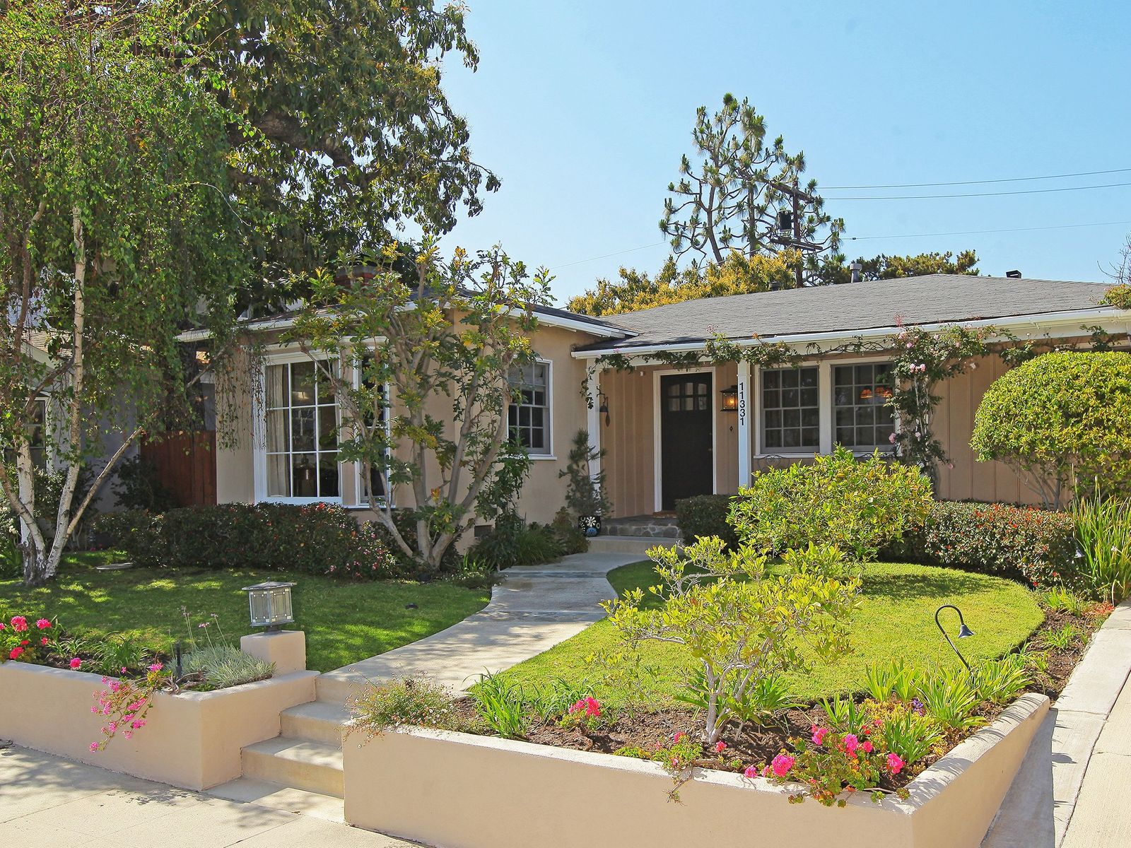 11331 Elderwood Street, Los Angeles CA Single Family Home - Los Angeles Real Estate