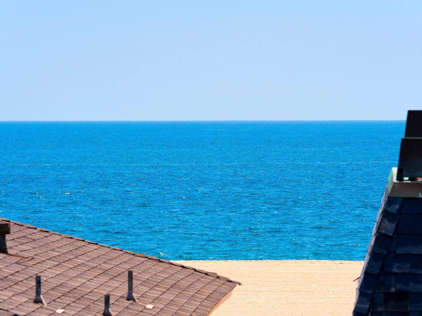 Tuscan Villa By The Sea
