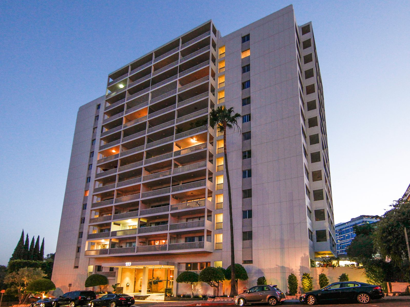 Sleek & Modern 1-Bedroom Condo, West Hollywood CA Condominium - Los Angeles Real Estate
