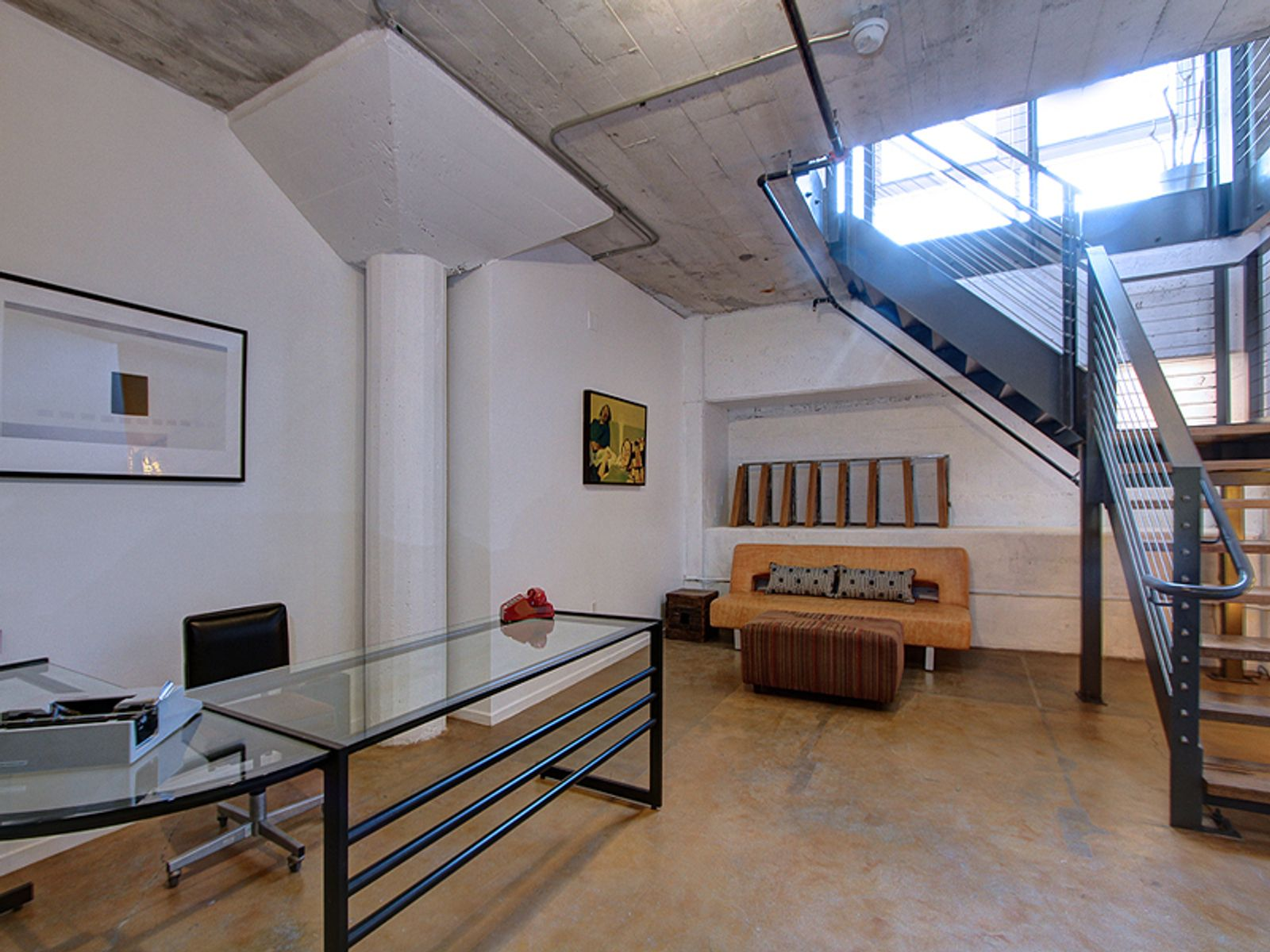 Contemporary Live Work Space