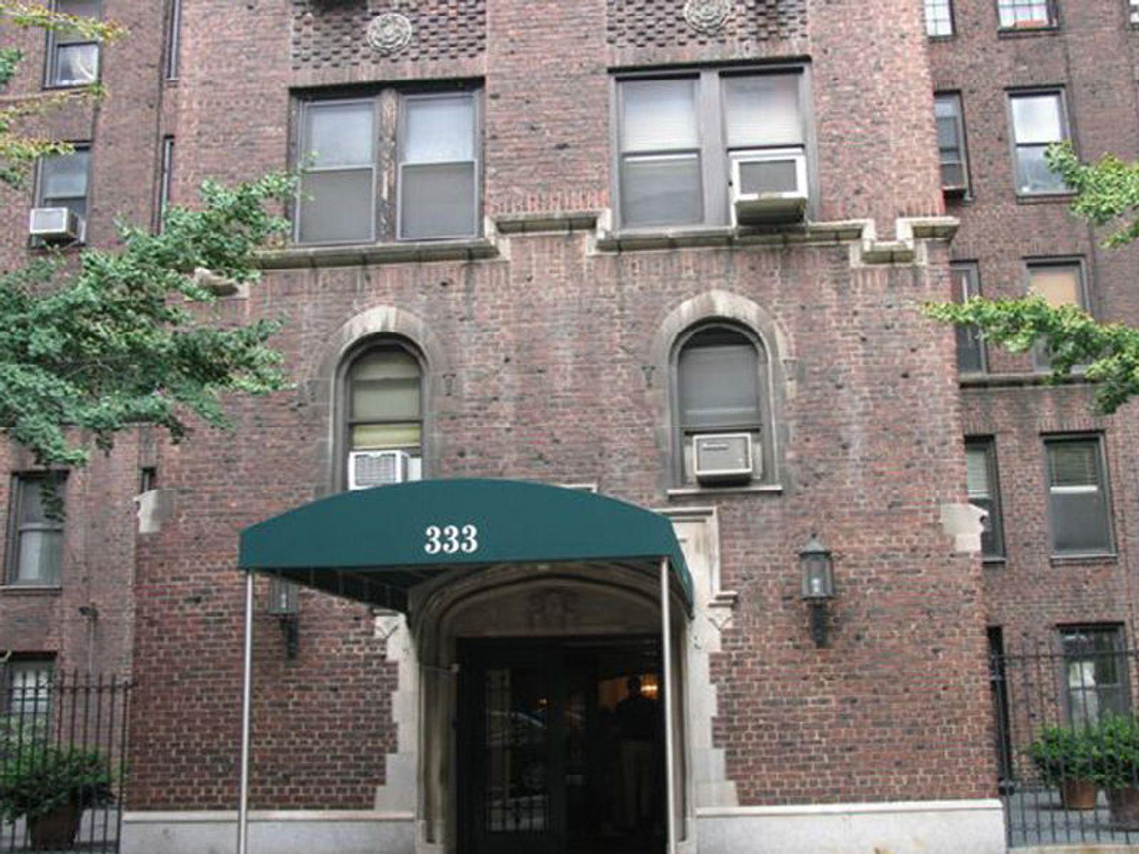 333 East 53rd St, 1C