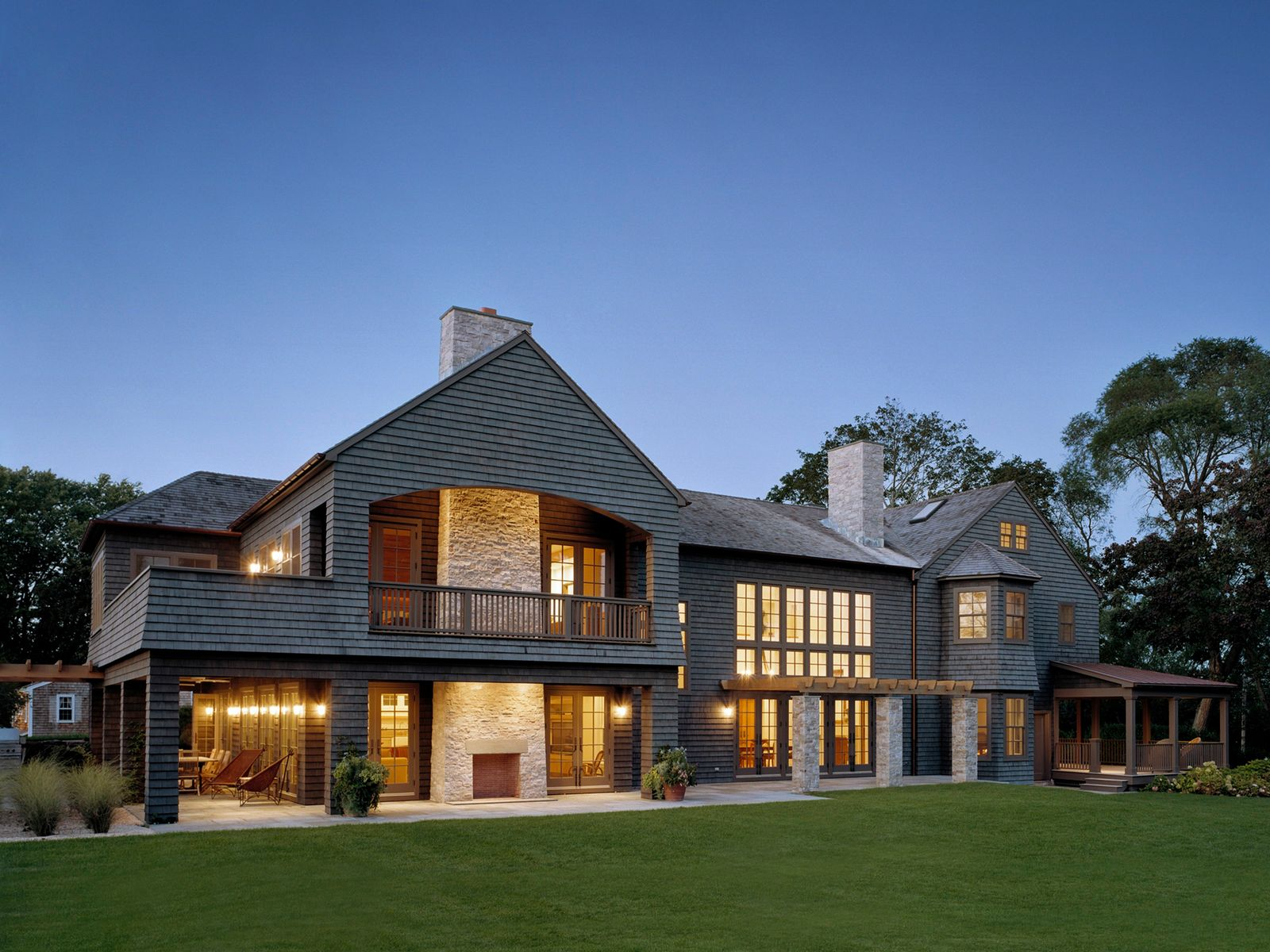 Expertly Designed with Modern Flair, Bridgehampton NY Single Family Home - Hamptons Real Estate