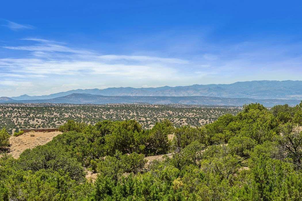 84 County Rd 74 Santa Fe, NM 87506