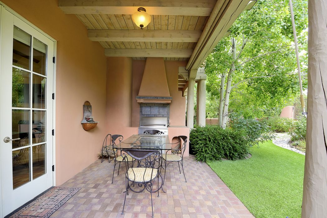 49 Heartstone Dr Santa Fe, NM 87506