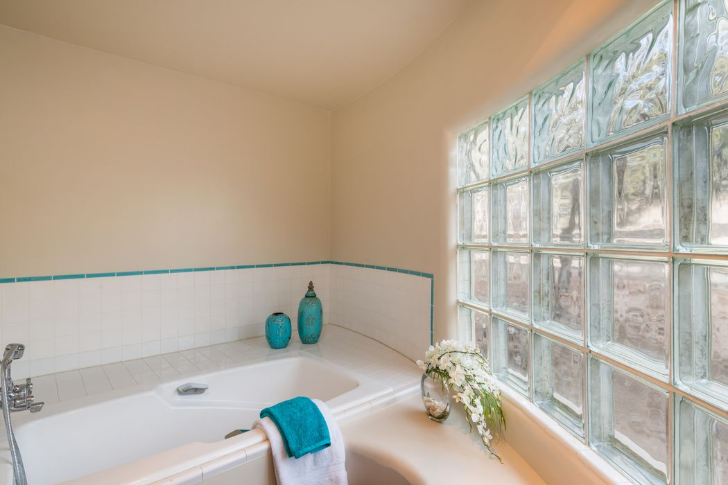 162ab Vaquero Road Santa Fe, NM 87508