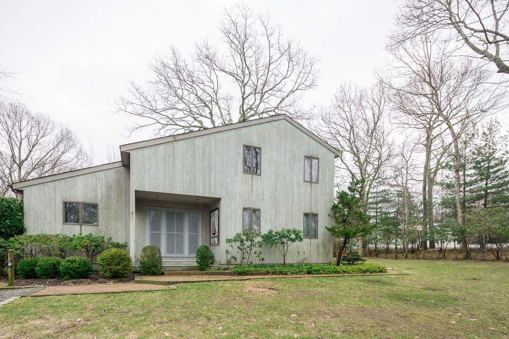 28 North Hollow Drive East Hampton, NY 11937