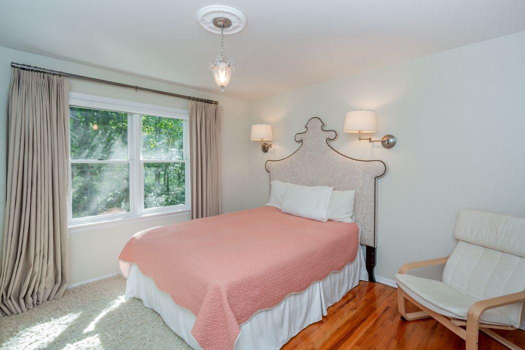 5 Bloom Avenue East Hampton, NY 11937