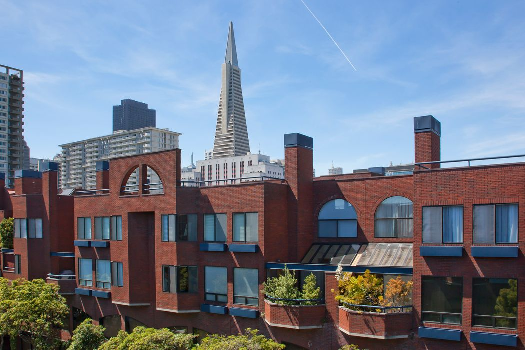 Stylish Townhome Spectacular Views  San Francisco, CA 94111