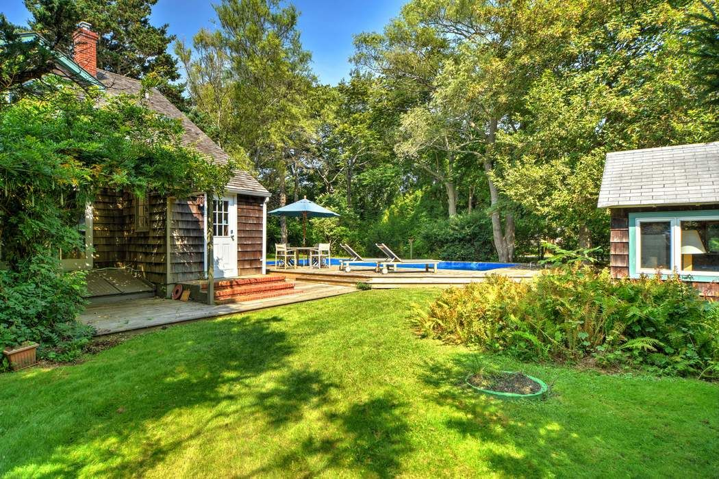19 Huntting Avenue East Hampton, NY 11937