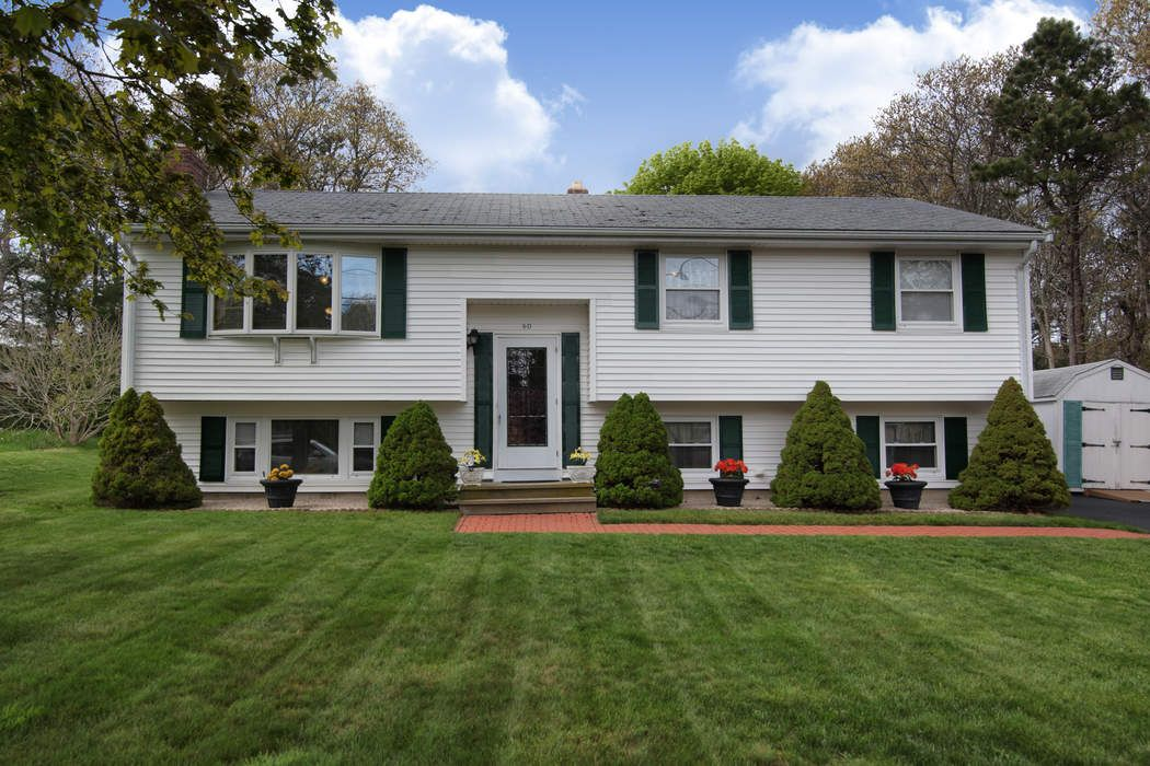 60 Tanglewood Drive, East Falmouth