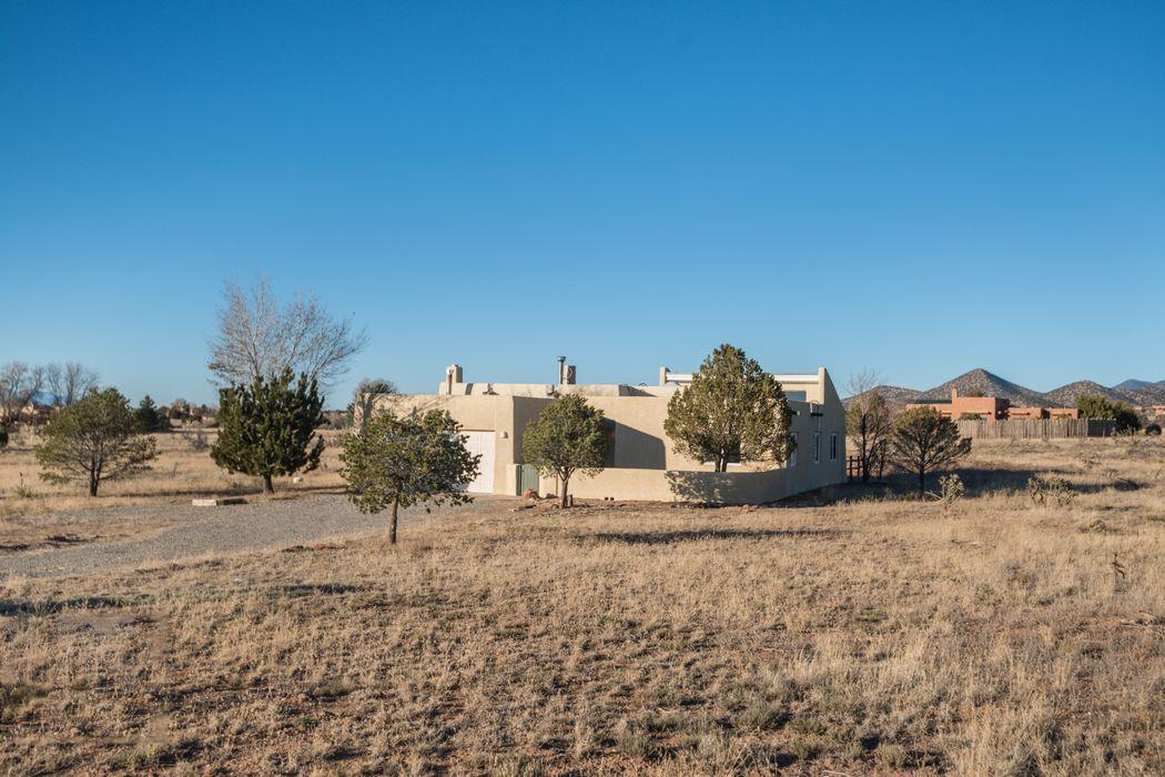 6 Carlito Rd Santa Fe, NM 87508