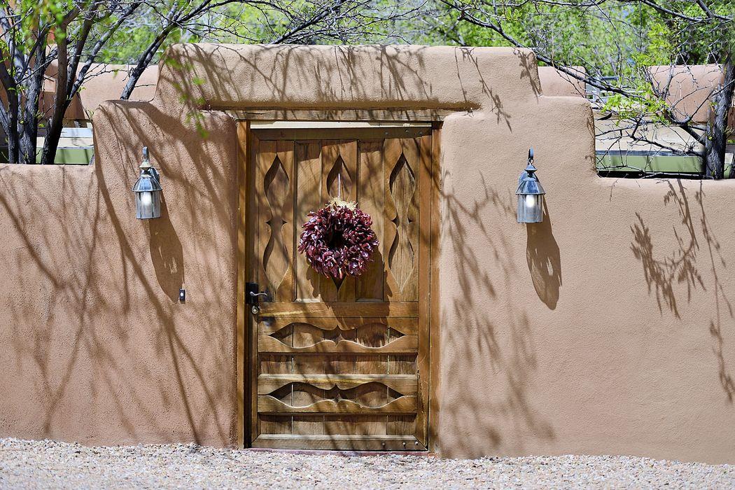 906 Canyon Rd Santa Fe, NM 87501
