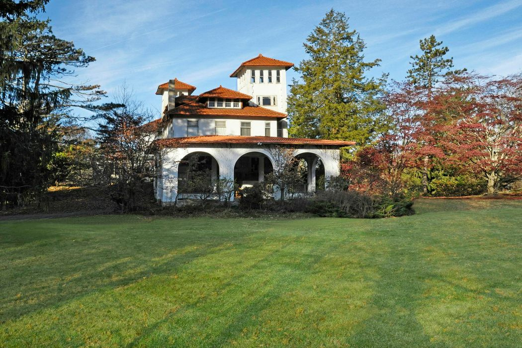 269 Palmer Hill Road Old Greenwich, CT 06870