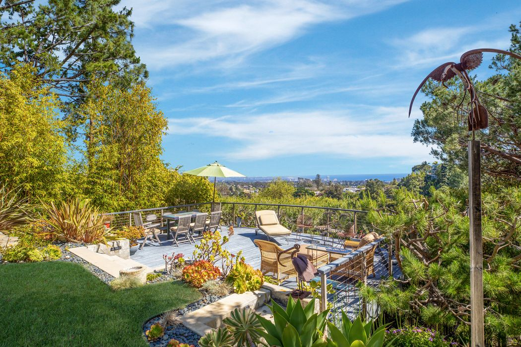 14732 Oracle Place Pacific Palisades, CA 90272