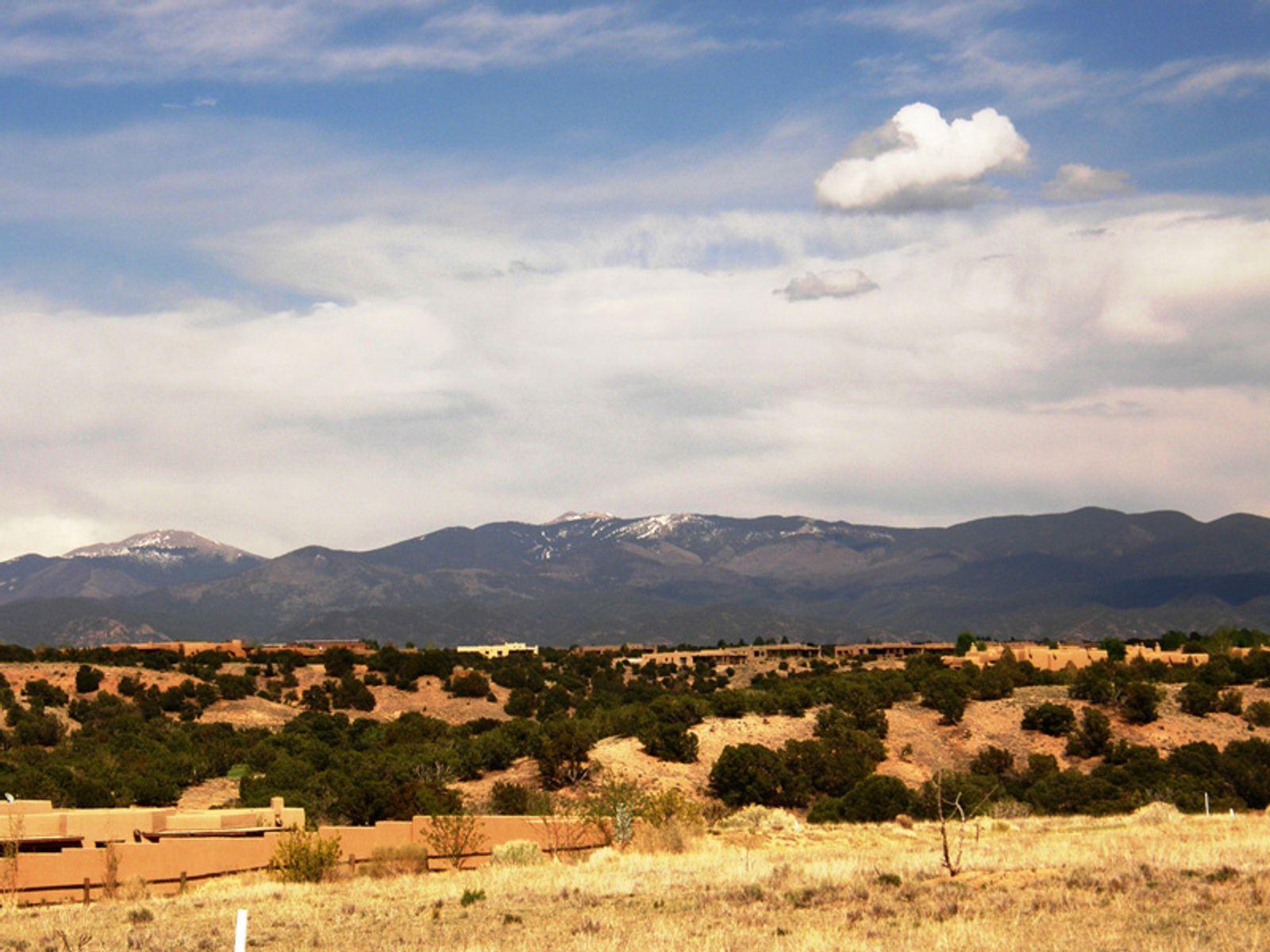 63 Paseo Aragon