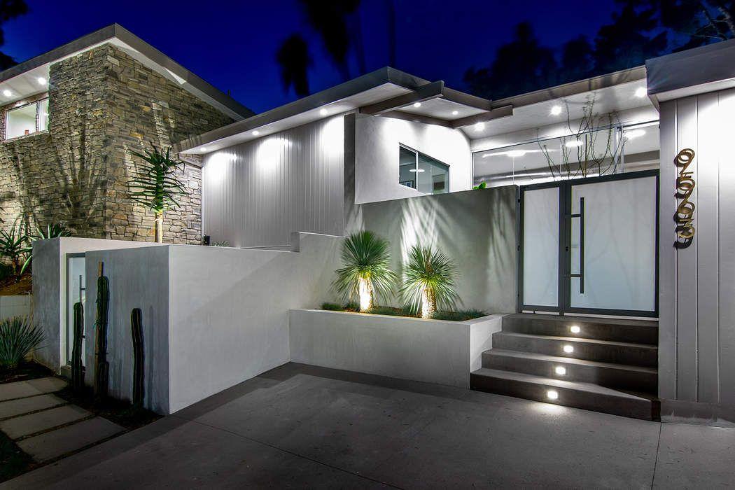 9563 Gloaming Drive Beverly Hills, CA 90210