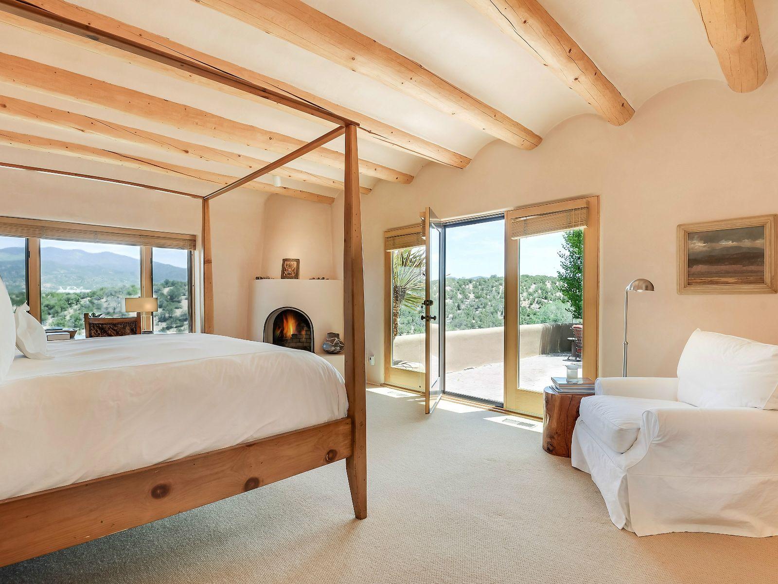 Master Bedroom, Partial