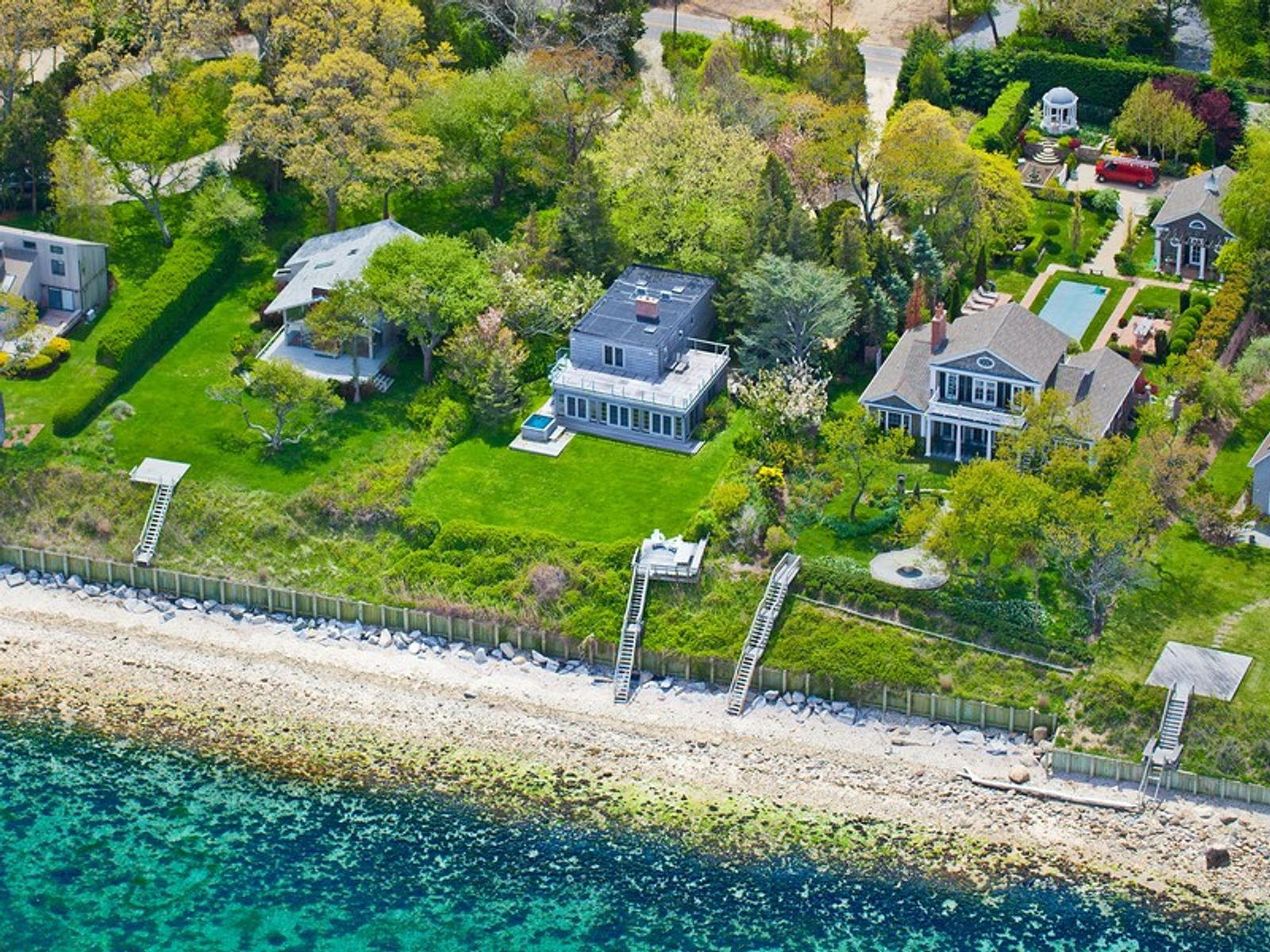 Extraordinary Waterfront - In contract, East Hampton NY Single Family Home - Hamptons Real Estate