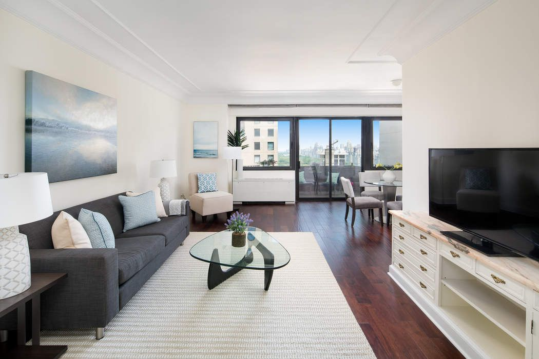 58 West 58th Street Apt 25A