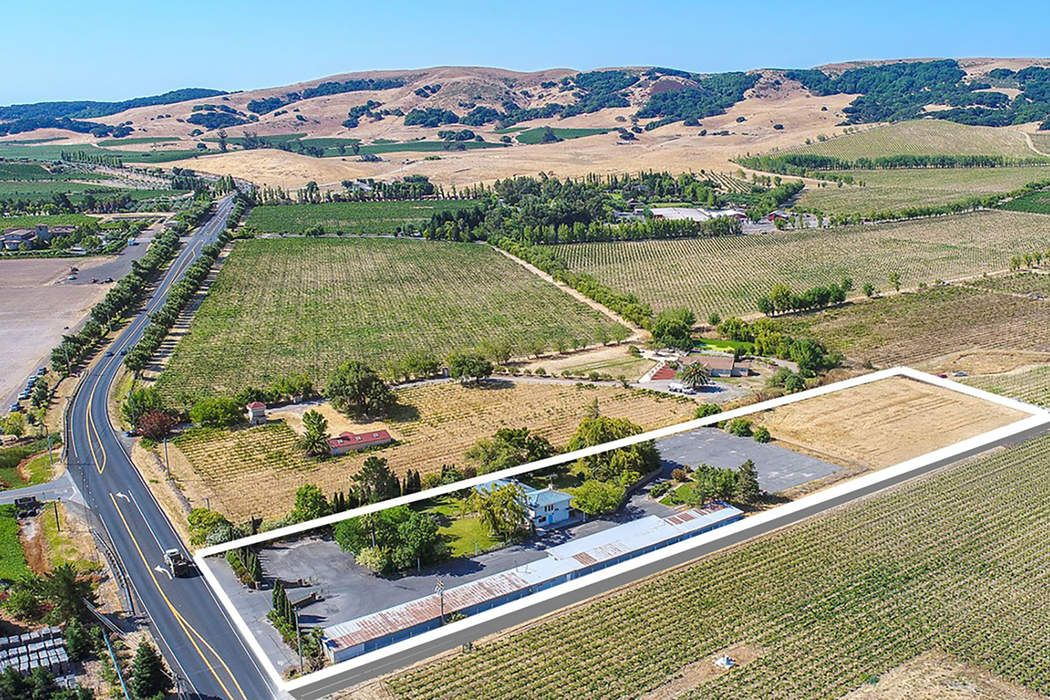 Desirable Home In The Carneros Region