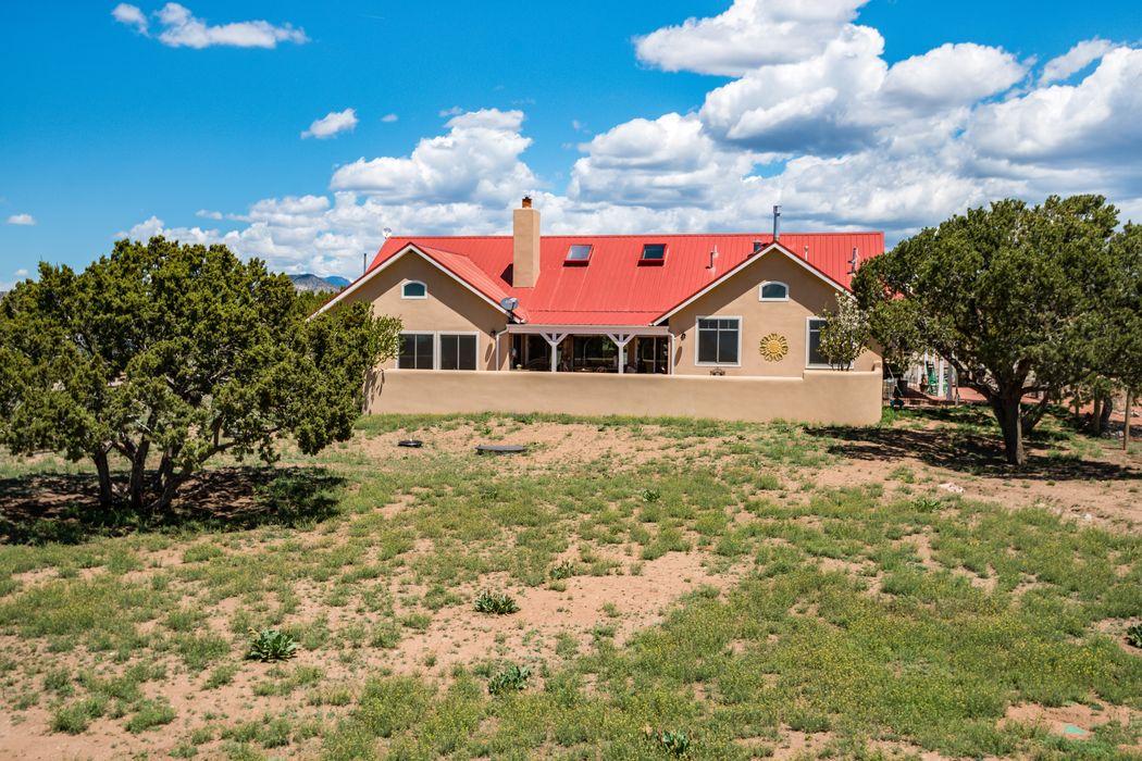 133 Jacinto Road Santa Fe, NM 87508
