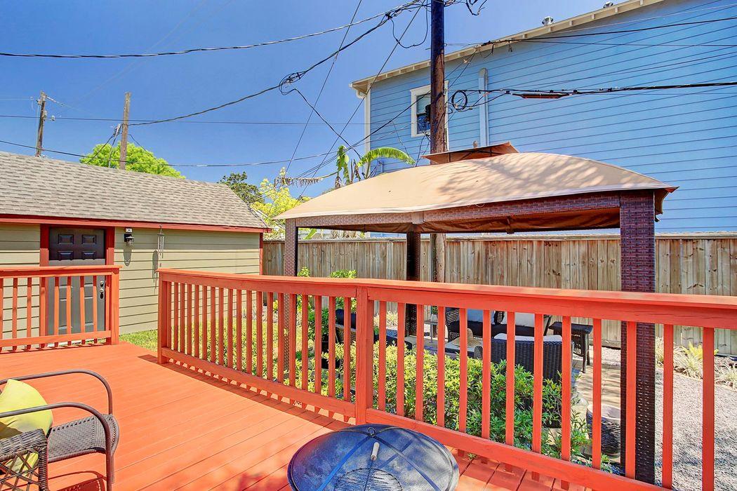 1430 Studewood Street Houston, TX 77008