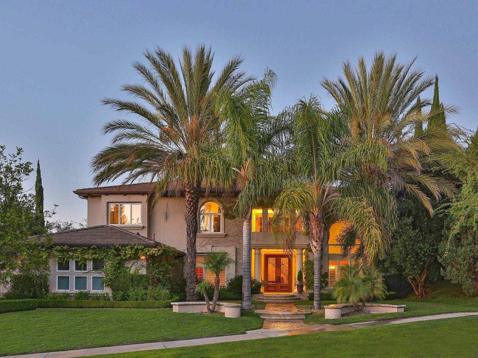 Estate in the Oaks, Calabasas CA Single Family Home - Los Angeles Real Estate