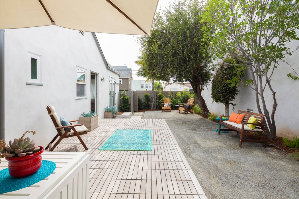 1299 Meadowbrook Avenue Los Angeles, CA 90019