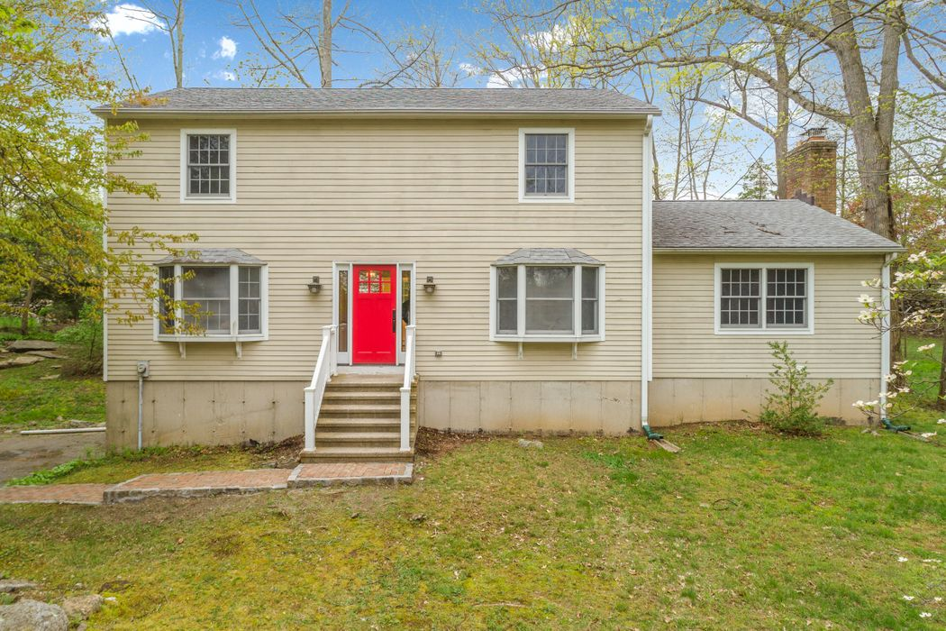 15 Old Witch Court Rowayton, CT 06853
