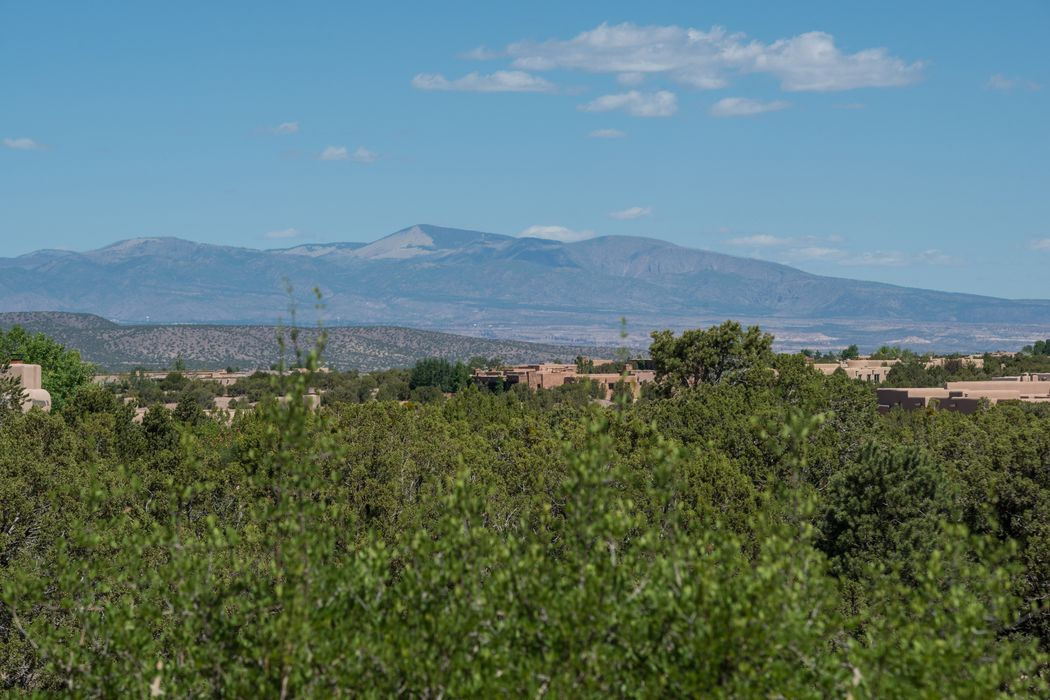47 Thundercloud Rd Santa Fe, NM 87506